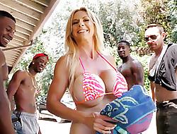 Ebony porno leikkeet - iso tissi aasian