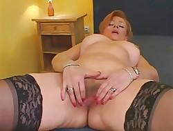 Legs porno tube - big saggy tits